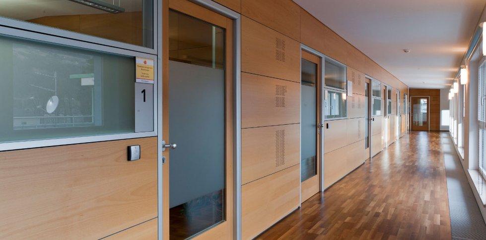 Bpb zum heiligen geist brixen resch interiors for Planung zimmereinrichtung